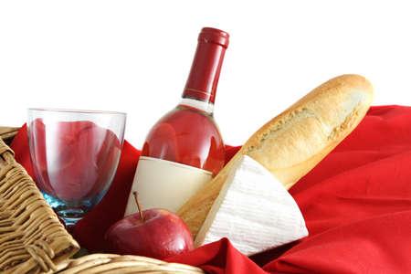 closeup on picnic basket food and wine Imagens