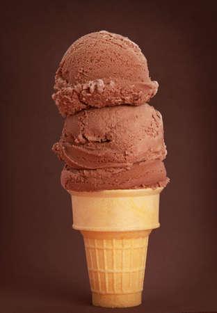 chocolade-ijs kegel, bruine achtergrond