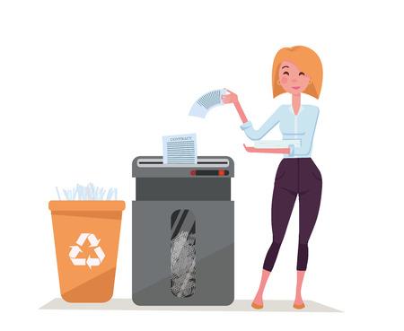 Ufficio lavoratore giovane donna elegante triturazione pila di documenti. Rifiuti di carta nel cestino per il riciclaggio di plastica. Distruggidocumenti per ufficio di grandi dimensioni pieno di carta tagliata. Illustrazione vettoriale di cartone animato piatto su sfondo bianco Vettoriali