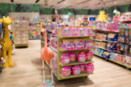 Abstract blurred image of shopping mall or retail store with product shelves. shopping center showcase. toy store Banque d'images - 124005235