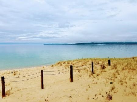 Beach Fence 版權商用圖片