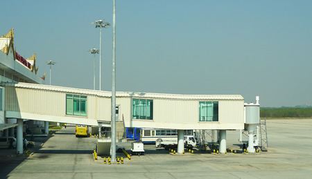 tardiness: Slice walk way and stair for the airline