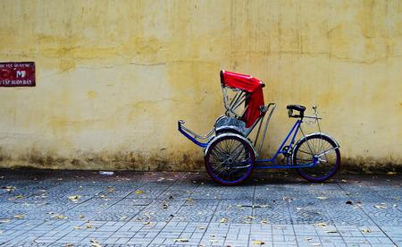 rikscha: Fahrrad-Rikscha (cyclo) Parkplatz in Saigon (Ho Chi Minh Stadt), Vietnam.