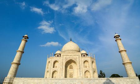 jehan: View of Taj Mahal in Agra.
