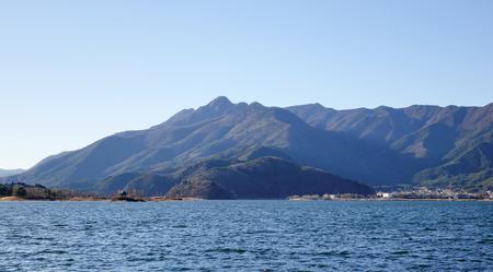 kawaguchi ko: Kawaguchi-ko Lake with mountains at sunny day in Yamanashi, Japan. Stock Photo