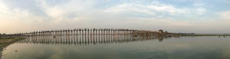 Panorama of the Ubein bridge in Mandalay, Myanmar. Mandalay is the second-largest city and the last royal capital of Myanmar (Burma). 免版税图像