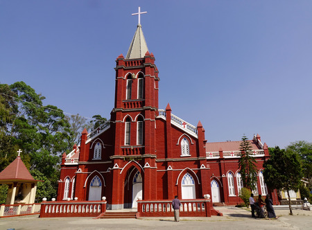 Pyin Oo Lwin, Myanmar - 12 februari 2017. St Mary Church in Pyin Oo Lwin, Myanmar. Het kleine stadje Pyin Oo Lwin is een herinnering aan de Britse koloniale tijd in Myanmar. Stockfoto - 72926561