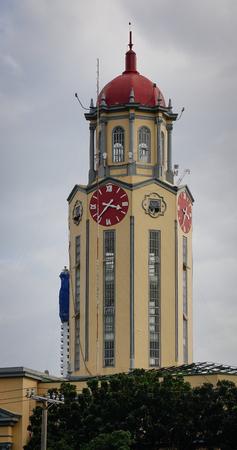 De klokkentoren van het stadhuis van Manilla in Filippijnen. Historisch gezien is het stadhuis van Manilla een overheidsgebouw dat de burgemeester van Manilla herbergt.