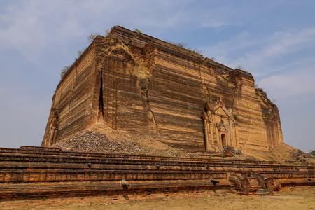 Pa Hto Taw Gyi pagoda in Mandalay, Myanmar. The Pahtodawgyi is an incomplete monument stupa in Mingun.