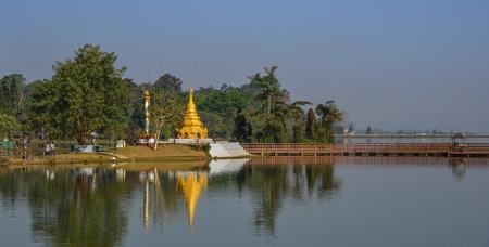 Ancient stupa on the bank of Inle Lake, Myanmar. 報道画像