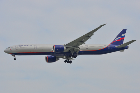 Saigon, Vietnam - Feb 2, 2019. A Boeing 777-300ER airplane of Aeroflot (VQ-BIL) landing at Tan Son Nhat Airport (SGN) in Saigon (Ho Chi Minh City), Vietnam. Banco de Imagens