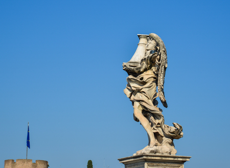 Rome, Italy - Oct 14, 2018. Angel statue along Sant Angelo bridge. Ponte Sant Angelo is a Roman bridge in Rome, completed in 134 AD. Imagens - 122917747