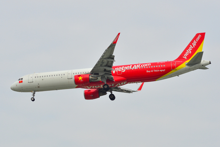 Saigon, Vietnam - Feb 2, 2019. VN-A677 VietJet Air Airbus A321 landing at Tan Son Nhat Airport (SGN) in Saigon, Vietnam. Redactioneel