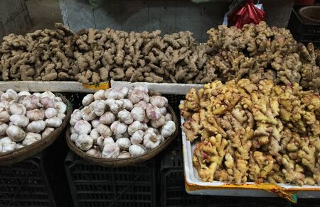 Spices and dried foods for sale at the local market in Chengdu, Sichuan Province, China. Stok Fotoğraf
