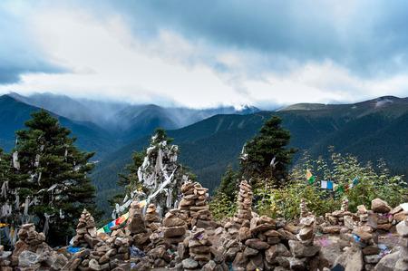 mani: On the mountain, Mani stone piles