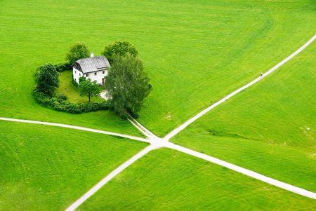 Haus im grünen Feld von Salzburg (Blick von Hohensaltzburg Schloss)