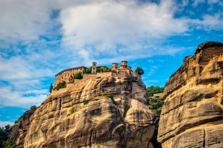 The Meteora   suspended rocks   is the largest and most important complex of monasteries in all of Greece