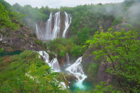 The bigest waterfall Veliki Slap at Plitvice Lakes in Croatia Standard-Bild