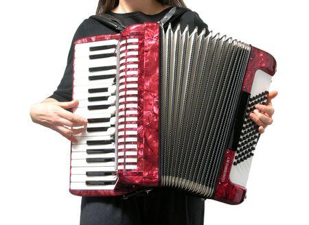 acorde�n: Recorte con una mujer tocando el acorde�n en blanco