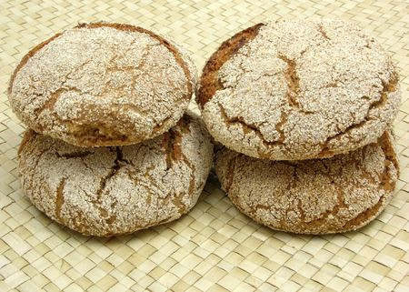 underlay: Home made wholemeal vinschgauer buns on rattan underlay