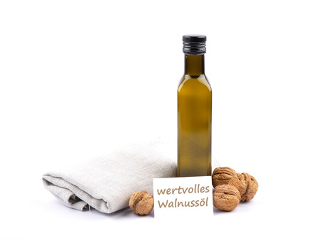describable: Walnut oil