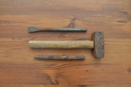 gouge: Hammer and chisel