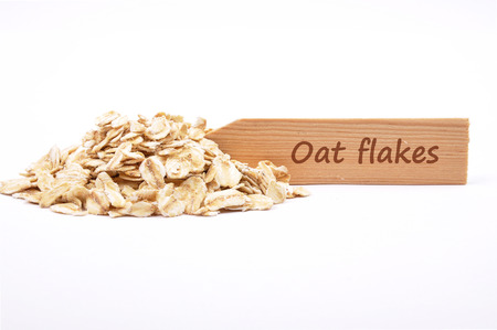 describable: Oat flakes at plate