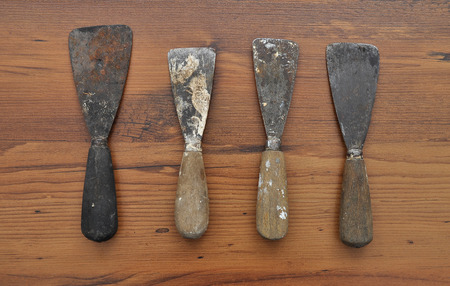 antiquated: Putty knifes