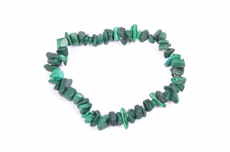 shiver: Splintered malachite chain on white background