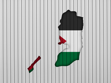 Map and flag of Palestine on corrugated iron Imagens