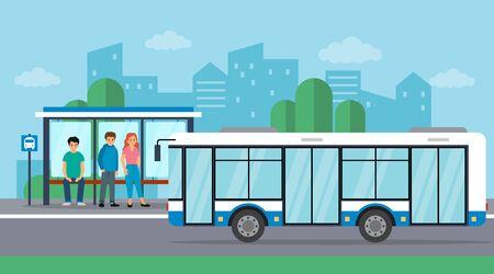 An der Bushaltestelle warten die Leute auf den Bus. Der Bus kommt. Flacher Stil. Vektor-Illustration.