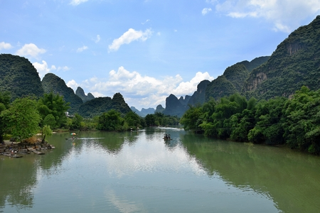 The area around small town Yangshuo in Guangxi Zhuang Autonomous Region in China is renowned for its karst landscape where there are hundred upon hundred of limestone hills dotting the countryside. Stock fotó