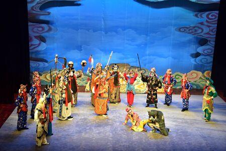 CANTON, CHINA CIRCA JULY 2019: Beijing Opera performance of Monkey King Making Havoc in Heaven. 新聞圖片