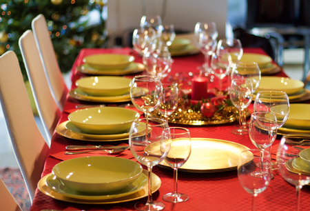 table arrangement for holidays lunch at home