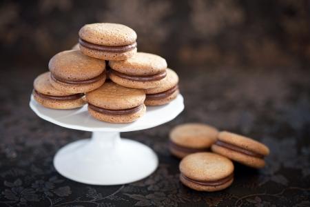 Zelfgemaakte koekjes met kaneel en chocolade, selectieve aandacht