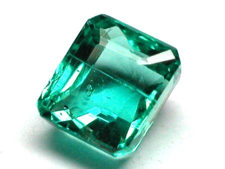 emerald facet cut photo