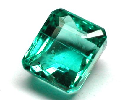 beryl: emerald facet cut