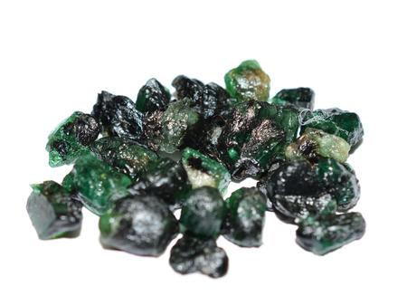 edelstenen: Smaragd ruwe edelstenen gemengd
