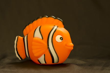 clown fish: plastic clown fish