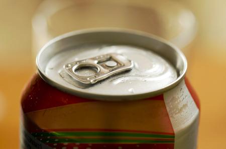 tin lid opener