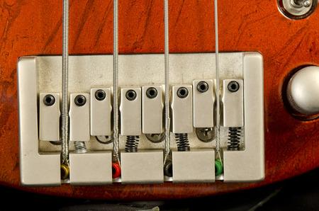 amplification: bass Guitar