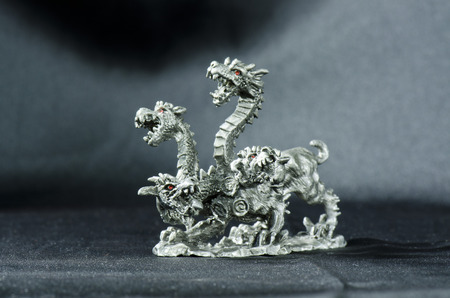 tin: hydra figurine tin