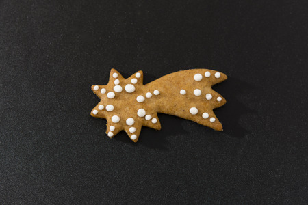 comet: Gingerbread comet decorated with sugar