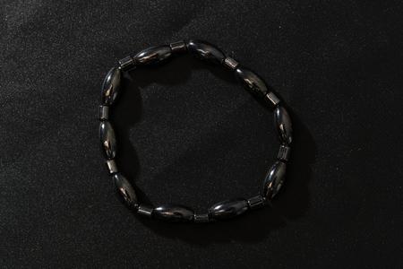 magnetic stones: detail on the hematite bracelet