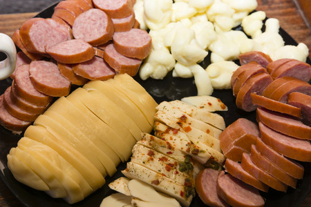 poppet: Poppet buffet with sausage and cheese