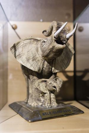 figurines: Elephant figurines.