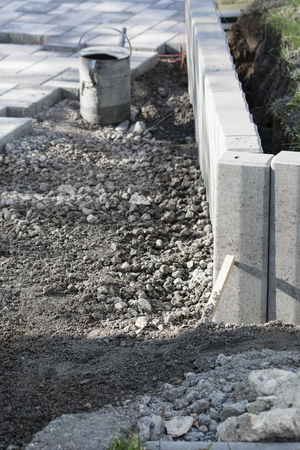 Concrete palisade not finished.