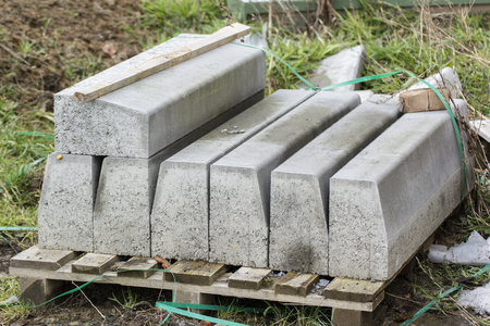 Pallet with concrete curbs.