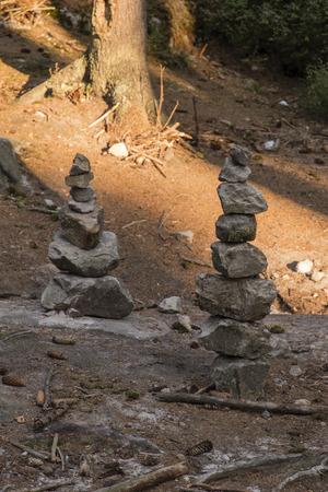 Stones built on itself. Фото со стока
