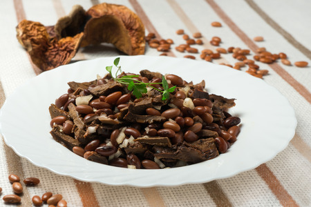 side dish: Side dish with mushrooms and beans
